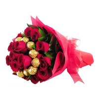 Deliver Flowers in India along with Chocolates to India