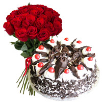 Birthday Cake Delivery in India containing Flowers to India at Midnight