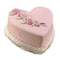 Birthday Cake to India at Midnight including 2 Kg Heart Shape Vanilla Cake in India